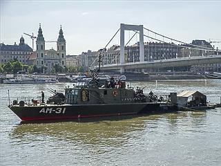 Csütörtök délelőttől zárják le a belvárost a Dunában talált bomba miatt