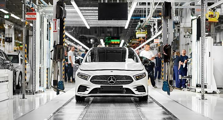 A tavalyi jó éve volt a kecskeméti Mercedes-gyárnak. Fotó: MTI