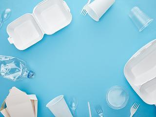 Ezért tolták el a műanyagok betiltásáról szóló javaslatot