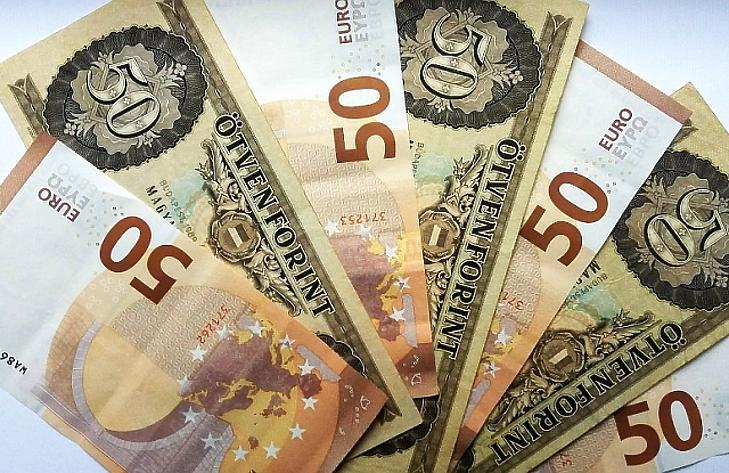 hogyan lehet pénzt keresni dollár árfolyamon)