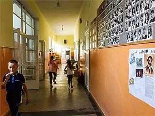 A szegény szülők gyerekei már 10 éves korukban leszakadnak az iskolában