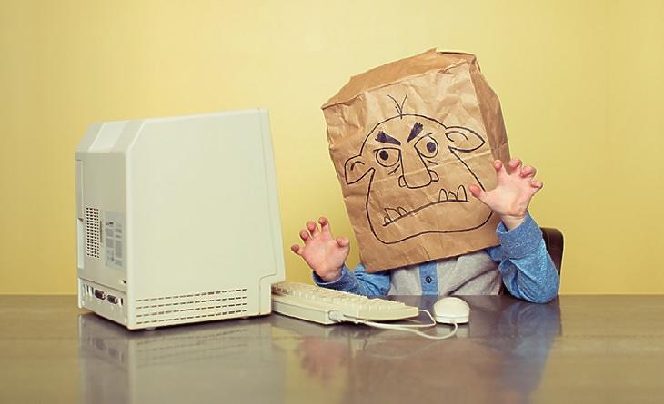 Biztosítást lehet kötni a gyermekek internetes zaklatására