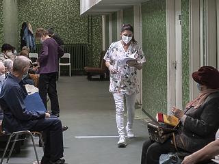 Nyomás alatt az egészségügy: az állam átveszi a szakrendelők irányítását is