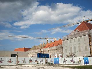 Orbán Viktor kolostorba vonul