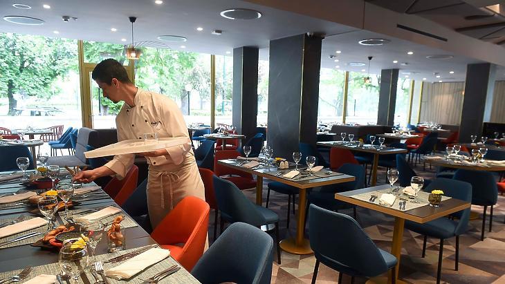 Rengeteg éttermi és konyhai pozíció üresedett meg. Illusztráció. (Fotó: MTI/Bruzák Noémi)