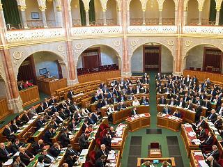 Elfogadta a parlament a 2021-es költségvetést