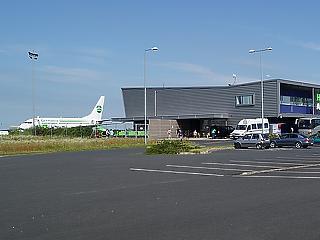 Bevásárolja magát a kormány a hévízi repteret üzemeltető cégbe