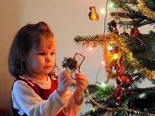Radikálisan javulnia kell a járványhelyzetnek, hogy feloldhassák a korlátozásokat karácsonyra