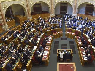 Idén öt és fél hónapot dolgoznak a parlamenti képviselőink