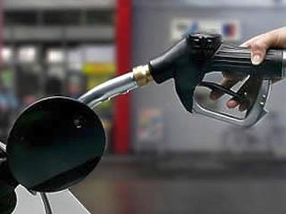 Benzines kocsit hajt? Most indokolt egy halvány félmosoly