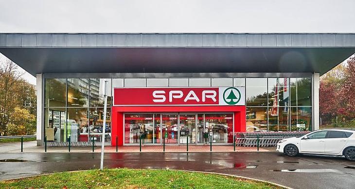 Elbocsátásokkal reagálhat az adóra a Spar (Forrás: spar.hu)