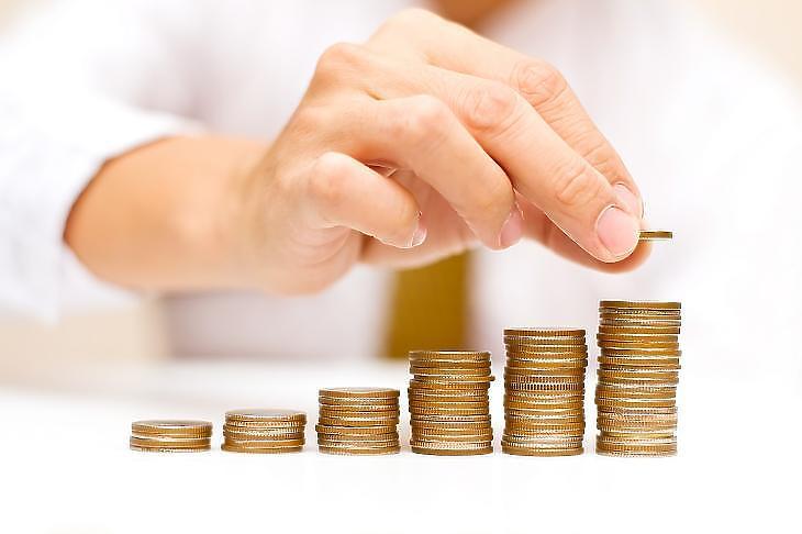 Három év alatt 273 milliárd forintot kaptak pluszban az idősek