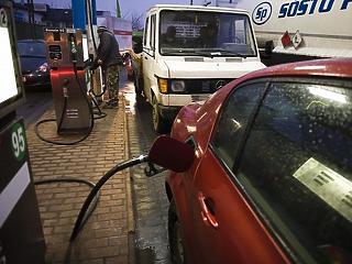 Csökkennek az üzemanyagárak, de így is 400 forint fölött marad a gázolaj