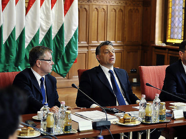 Matolcsy György és Orbán Viktor a parlamentben