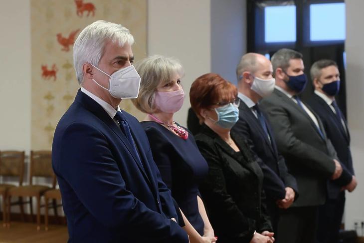 December 21-én a Karmelita kolostorban vették át kinevezésüket az Országos Kórházi Főigazgatóság vezetői. Fotó: MTI