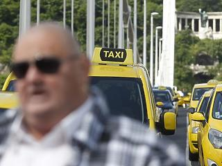 Tarifaemelést szeretnének a fővárosi taxisok