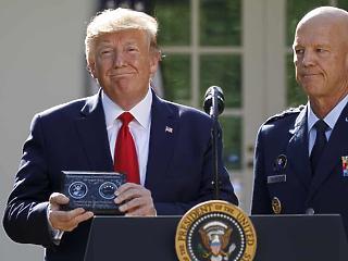 Donald Trump ünnepélyesen létrehozta az amerikai űrparancsnokságot