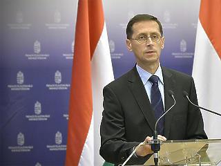 Varga Mihály szerint érdemes felkészülni a gazdasági lendület visszaesésére