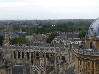 1 milliárd dollárért bocsátott ki 100 éves kötvényt az Oxfordi Egyetem