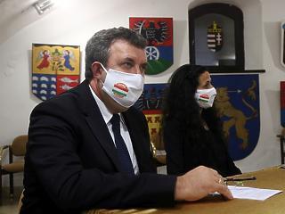 Palkovics László idő előtt felmentette két miniszteri biztosát