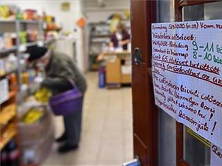 Felfüggesztik az idősek bevásárlási sávját