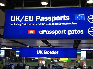 Karanténkötelezettség és negatív teszt: csak így lehet az Egyesült Királyságba utazni
