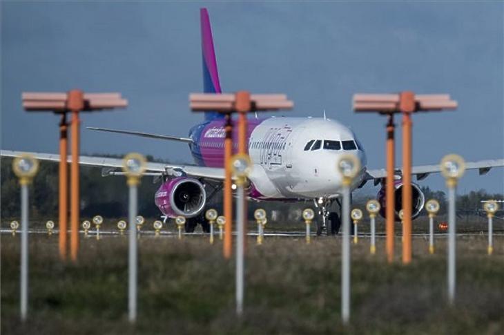 A Wizz Air egyik gépe. Illusztráció. (Fotó: MTI/Ujvári Sándor)