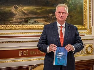 Jelzést küldtek Trócsányi Lászlónak, hogy nem kell európai biztosnak?