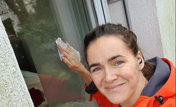 Novák Katalin kevesebbet kap, mint több minisztertársa, de talán ebből a pénzből tud majd fizetni egy takarítónőt (Forrás: Facebook)