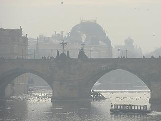 Ingyenessé teszik a teljes prágai tömegközlekedést a szmogos napokon