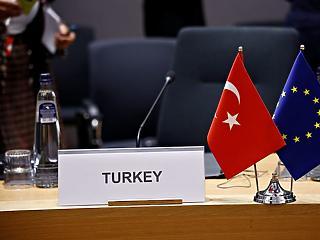 EU-s fegyverembargó Törökországgal szemben