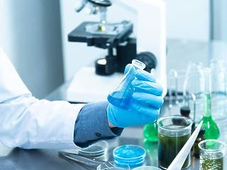 Koronavírus: jövő héten már oltanak a briteknél