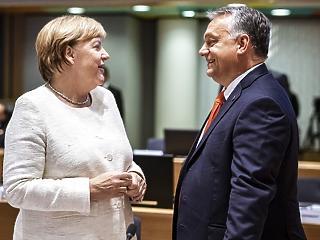 Már jövőre bukhat Merkel, jöhet a Jamaika-koalíció