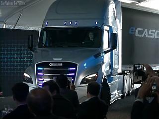A Daimler bemutatta a Tesla-rivális e-kamionját