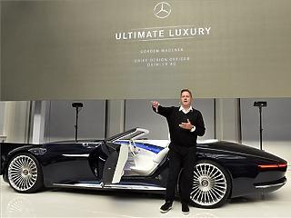 Formabontó Mercedes koncepcióautó az Iparművészeti Múzeumban