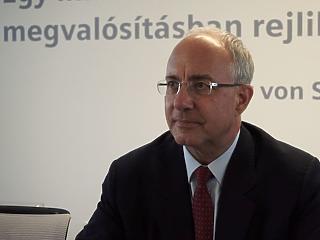 A rossz országimázs nem segít - a Siemens-vezér a hazai állapotokról
