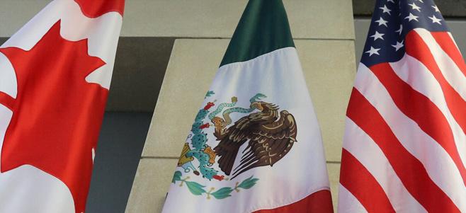 A NAFTA-tagok lobogói.