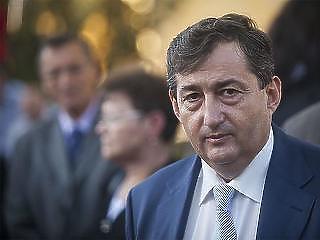 Guller Zoltán: régi adósságot törleszt a kormány, amikor közpénzből felújítja Mészáros Lőrinc szállodáit