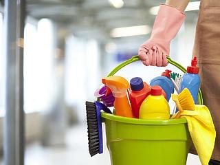 Ennyit lehet keresni takarítóként az USA budapesti követségén