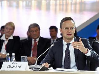 Szijjártó: Brüsszelben, New Yorkban és Genfben is nőni fog a Magyarország-ellenes nyomás
