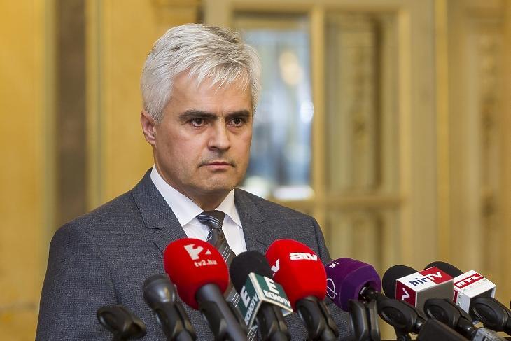 Jenei Zoltán 2016 februárjában, a PTE kancellárjaként. MTI Fotó: Szigetváry Zsolt