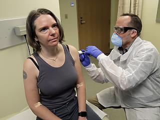 Biztató eredményeket mutat az egyik amerikai koronavírus-oltóanyag elsőkörös tesztje