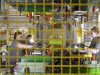 Eltűntek a betanított munkások és a kkv-s szakemberek is