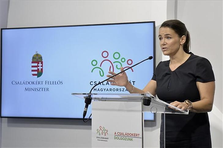 Novák Katalin sajtótájékoztatót tart az operatív törzs ülése után 2021. június 22-én. Illusztráció. (Fotó: MTI/Soós Lajos)