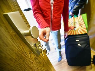 Szinte teljesen eltűntek az országból a külföldi turisták
