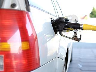 Nagyot esik a benzin ára szerdán