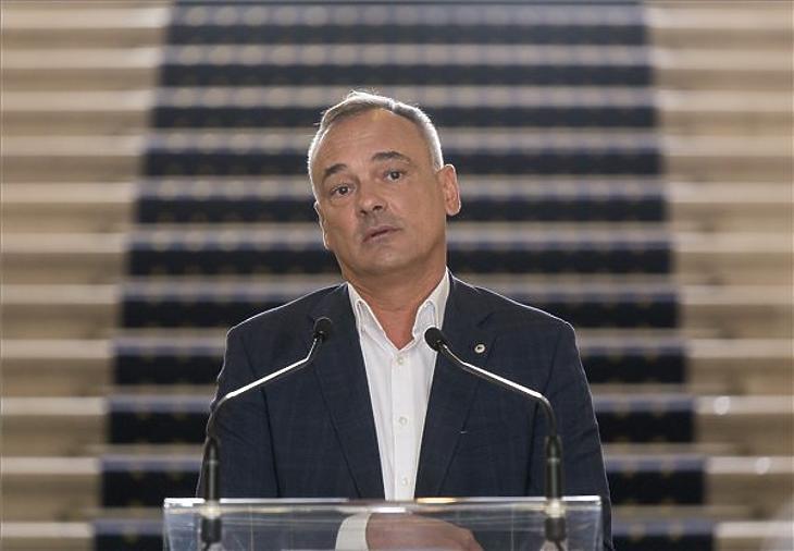 Borkai Zsolt, Győr újraválasztott polgármestere a győri városházán tartott sajtótájékoztatóján 2019. október 15-én. A Fidesz helyi szervezetének elnöke bejelentette, hogy kilép a pártból. (Fotó: MTI/Krizsán Csaba)