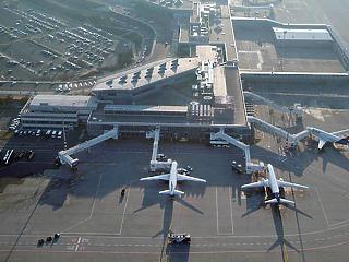 Rekordmértékben zuhant a légiforgalom
