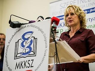 Diplomás bérminimumot követelnek a közszolgák