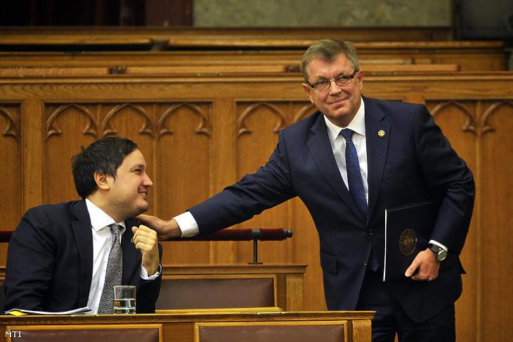 Megrendülhetett Matolcsy György (jobbról) bizalma Nagy Márton iránt. Fotó: MTI